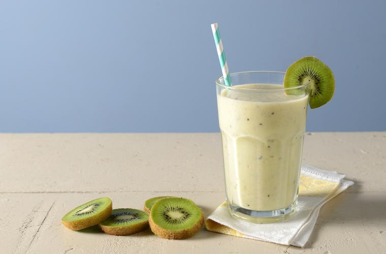 Peach - Kiwi Smoothie
